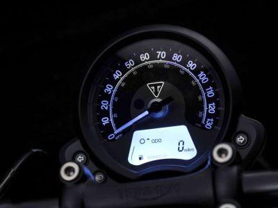 Triumph Bobber Black DVX_10158_GRD_RT